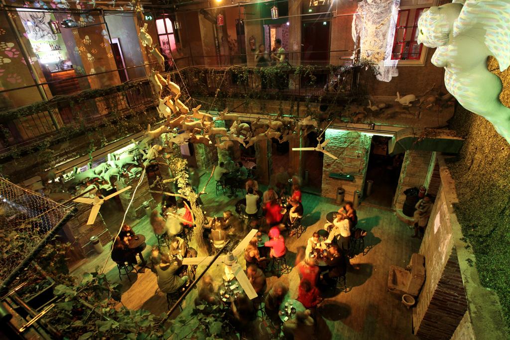 erzsébetváros budapest nightlife